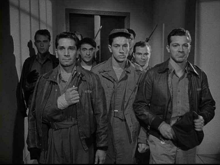 Slika II.4.5. Kadar iz filma The Purple Heart (1944.).