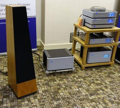 Signature Audio Systems showed the new PS Audio BHK power amplification by Bascombe King, here with fine sounding, passive Vandersteen Treo CT