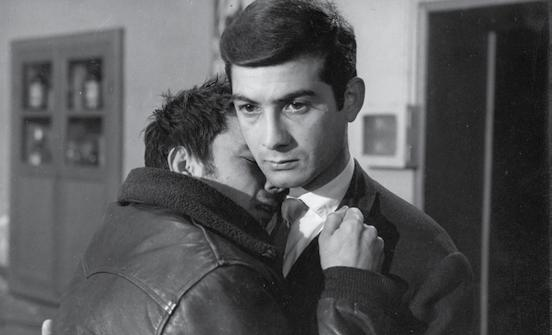 His stark and absorbing landmark debut, Le beau Serge, follows a successful yet sickly young man (A Woman Is a Woman s Jean Claude Brialy) who returns home to the small village where he grew up.