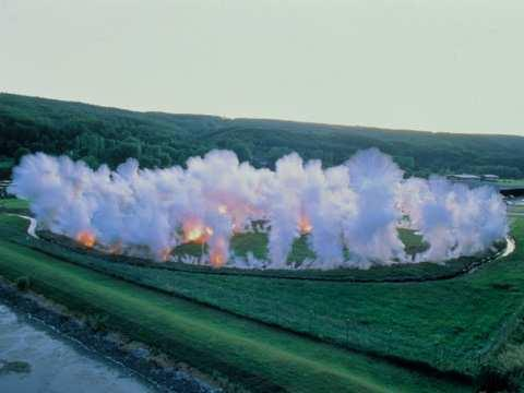 85 Figure 3: Cai Guo-Qiang, Fetus Movement II: Project for Extraterrestrials No. 9, 1992.