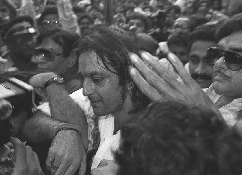 INTRODUCTION 9 Movie star Sanjay Dutt, 36, is mobbed by fans as he walks out of the high-security Arthur Road Prison in Mumbai on 17 October 1995 after he was granted bail.