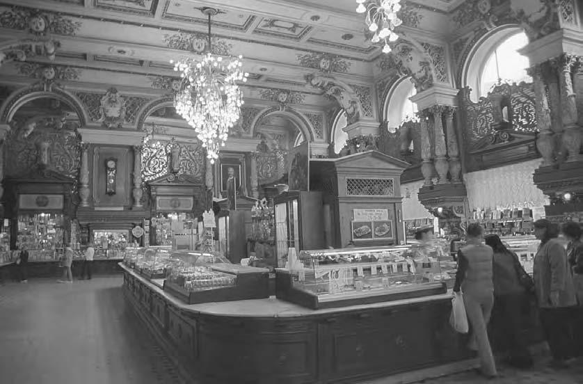 122 POP CULTURE RUSSIA! The interior of the famous Yeliseyev food store on Tverskaya Street before restoration in 2002.
