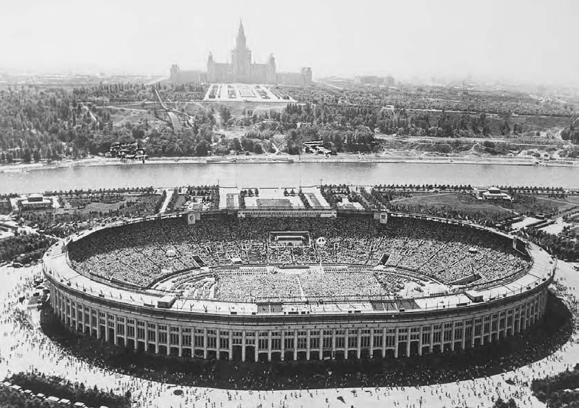270 POP CULTURE RUSSIA! Moscow s Luzhniki Stadium, built in 1956, with a capacity of over 100,000. After the reconstruction in 1997 it remained the largest arena in Moscow.