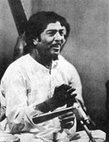 5:7 Ustad Sharafat Hussain Khan Ustad Sharafat Hussain Khan Prem Rang (1930 1985) Sharafat Hussain Khan (1931-1985) of the most recent times was, at a very young age, put under the training of Ustad