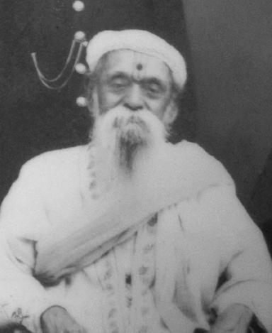 5:8 Pt.Ganpatrao Vasaikar Ganpatrao Piraji Pandit, Alias Nana Vasikar shri Ganpatrao born on 30 th October 1863 in Arnali village near Vasai.