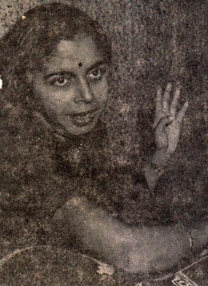 5:30 Shubhada Paradkar One of the leading name, in the vocalists of today s young generation, who inspired to establish the Kulgaon Sangeet Sabha, is Shubhada Paradkar.