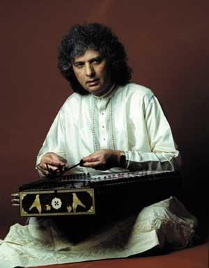 6:6 Pt. Shivkumar Sharma This great Santoor player of the time always loves to perform against the knowledgeable audience of Baroda.