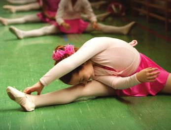 Students will learn dance vocabulary and proper body placement.