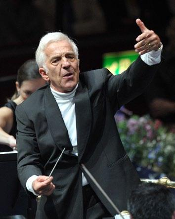 Sydney Symphony THE 2013 ASHKENAZY CONCERTS In 2013, the Sydney Symphony marks the climax of its official partnership with Vladimir Ashkenazy in his role as Principal Conductor.