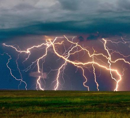 Johann Strauss II (1825-1899) Unter Donner und Blitz (Thunder and Lightning) Polka, op.* 324 Unter Donner und Blitz means Under Thunder and Lightning.
