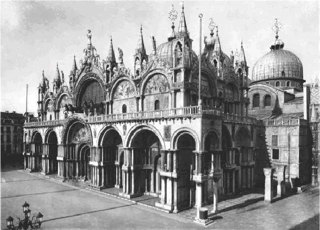Willaert and the Art of Transition : Music from the Earliest Notations to... 2 / 5 2011.01.27. 13:24 fig. 15-4 St. Mark s Cathedral, Venice.