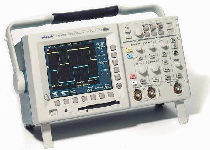 1 Basic Information This guide provides basic instructions for operating the Tektronix TDS3000 Series Digital Phosphor Oscilloscopes.