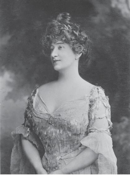 French tradition, was remarkably important during a period when serious opera was less visible in Melbourne. Figure 13.9: Clementine de Vere Sapio.
