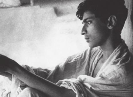 APARAJITO THE UNVANQUISHED Director: Satyajit Ray India / 1956 / B&W / Bengali / 109 mins Aparajito picks up where Pather Panchali ends, with Apu and his family having moved away from the country to