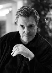 EXCELLENCE IN CINEMA AWARDS AMOS GITAI: Beauty, Power and the Right to Question It all began in 1973. An Israeli army helicopter flying over Golan Heights was shot down by a Syrian missile.