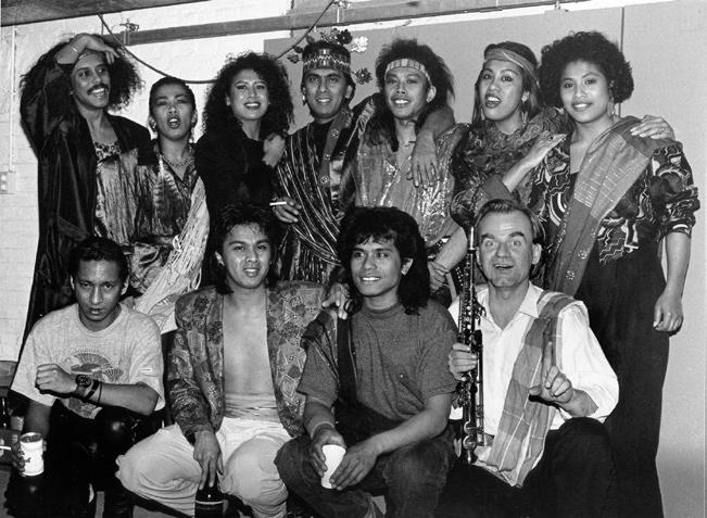 music of the moluccan communities in the netherlands 291 Image 12.1 Moluccan Moods Orchestra, with author sitting at the bottom right (photo courtesy of the author).