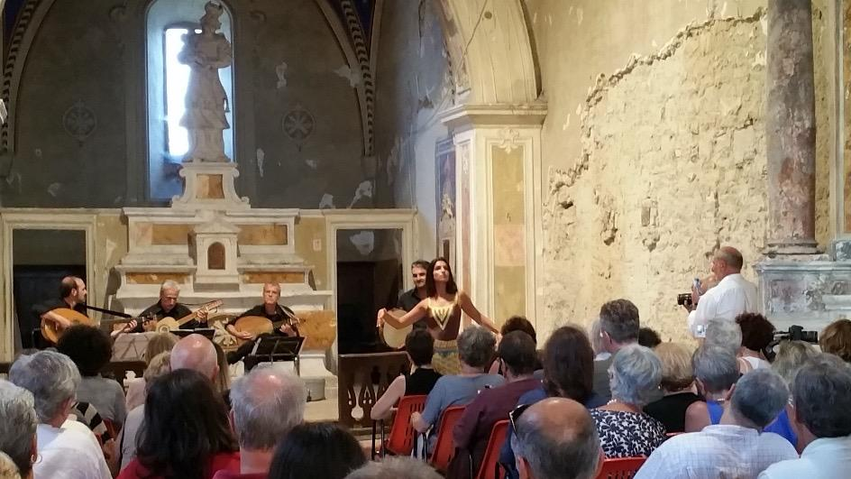 The concerts for the last two evenings have been held in remarkable locales within about 5 km of San Quirico.