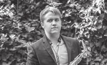 Andrew Sigler s piece Through All Panics is a world premiere. With a relentless rhythmic drive throughout, this piece features complex conversational interplay between the pianist and saxophonist.