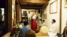 additional 5 minutes) Package on tradition theme by combining Gugaksarang and hanok stay, Soriul Packages on Bukchon s beautiful alley theme