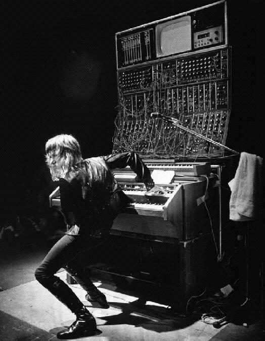 Keith Emerson In designing the minimoog, Bob Moog worked with