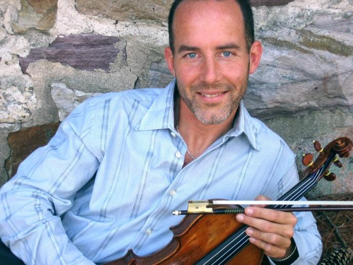 Recent appearances include the Tchaikovsky Violin Concerto with Symphony of the West Valley (AZ), Piazzolla s Four Seasons of Buenos Aires with the ProMusica Chamber Orchestra (OH), Sibelius Violin