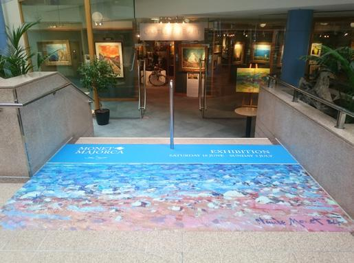 SQUARE 7M MALL BANNER Eye-catching and prominent in equal measure, this double-sided banner is