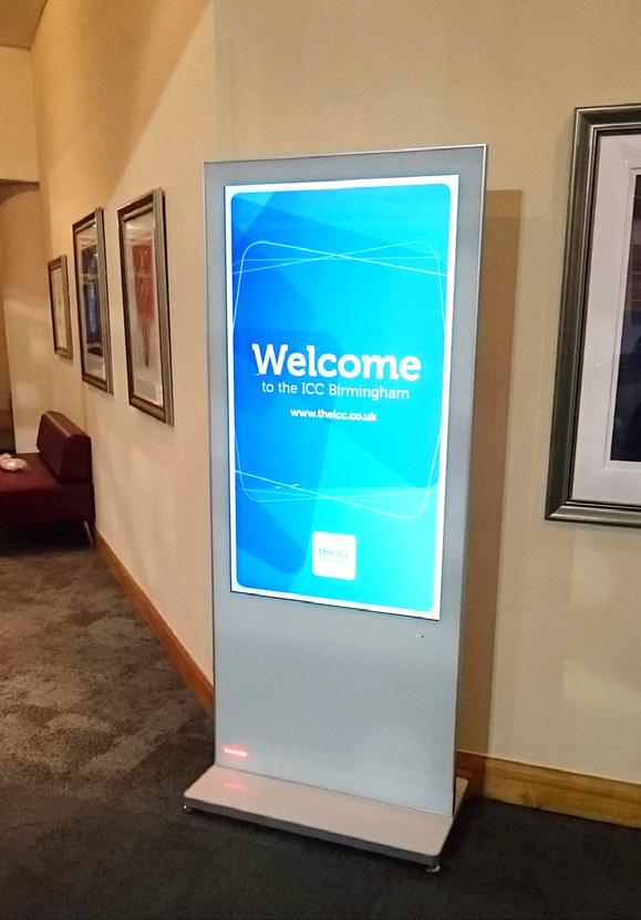 SECTION 6 DIGITAL SIGNAGE BLADE SCREENS STANDING TALL, NOT STILL Able to display both static and dynamic content, our eye-catching blade screens have long been a favourite with organisers thanks to