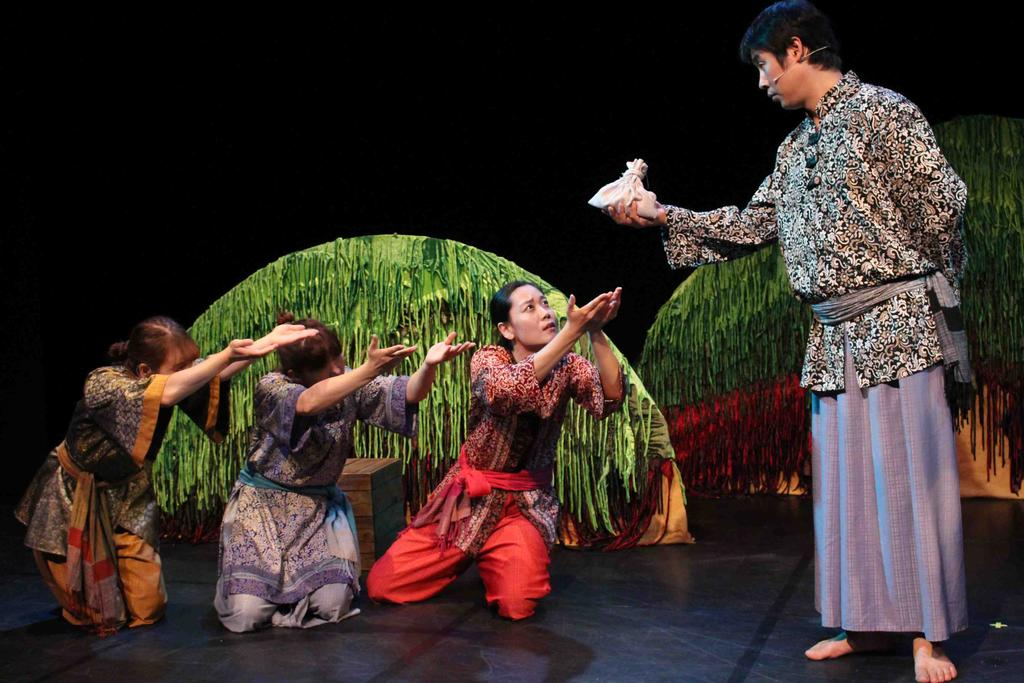 13 (Fri) 11:00, 14:30 Young Today, Oneul s Song Theater Ro, Gi, Narae Children s Theater Puppet Theater that focuses on the Woncheongang River God s Story on Jejudo Island Byeolbyeol King Bookteller