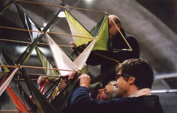 Made up of a thinly cut, spruce dowel tetrahedral skeleton, carefully engineered steel connectors and a silk cloth covering, the kite flew successfully in 1906.