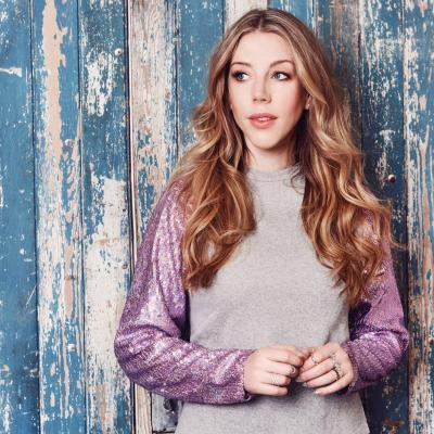 Britain and Canada s first and only woman to have a worldwide Netflix special, Katherine Ryan will bring her acclaimed, total sell-out /18 nation-wide tour show GLITTER ROOM to the Garrick Theatre in