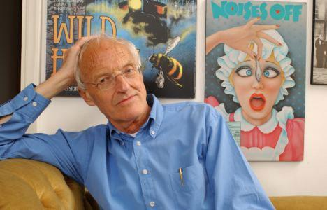 7 A NOISE WITHIN 2018/19 REPERTORY SEASON Spring 2019 Study Guide Noises Off ABOUT THE PLAYWRIGHT: MICHAEL FRAYN Michael Frayn is an English playwright, novelist, and translator, currently living