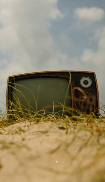 Conclusion Linear TV will make the transition online The format serves a valuable viewing need of consumers Answers approximate needs What s happening in the news Answers the tyranny of choice